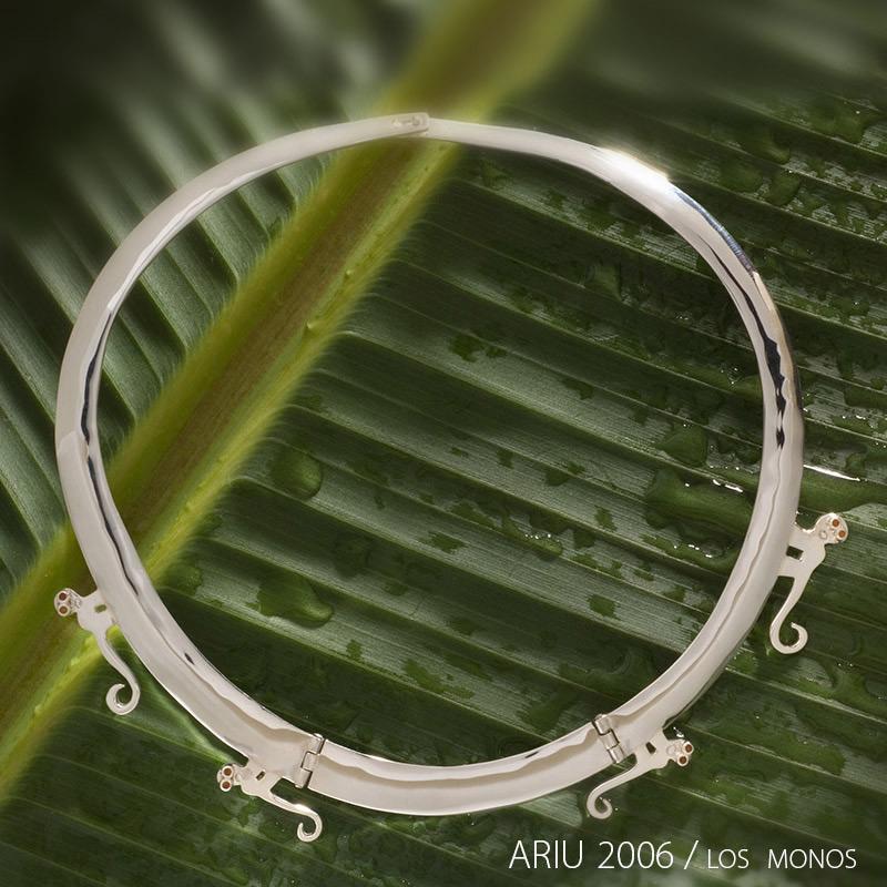 ariu-2006-Los-monos